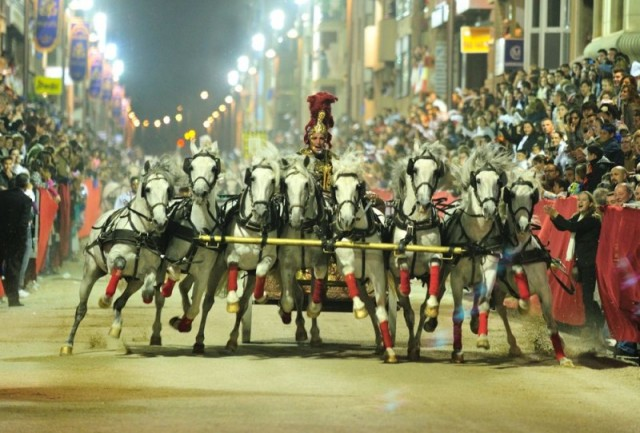 289611_buying-tickets-for-the-2018-lorca-semana-santa-easter-week-processions_11516896423_large.jpg