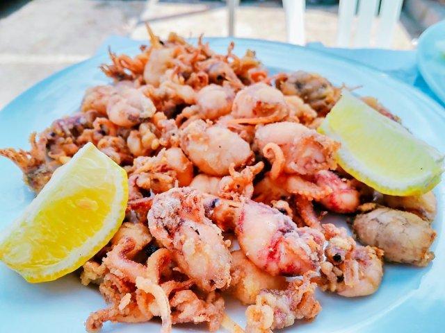 Chiringuito-las-palmeras-pedregalejo-pescaito-frito-malaga-5