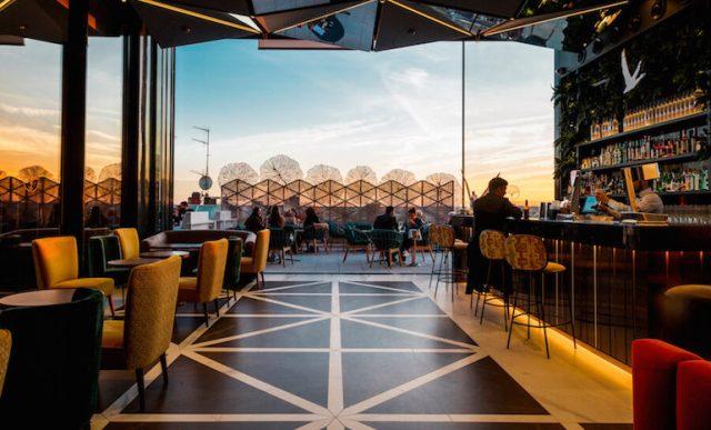 GINGKO-Sky-Bar-El-rooftop-con-los-mejores-atardeceres-de-Madrid-770x466.jpg