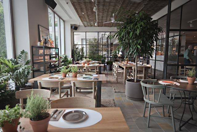 restaurante-ana-la-santa-hotel-me-reina-victoria.-madrid2